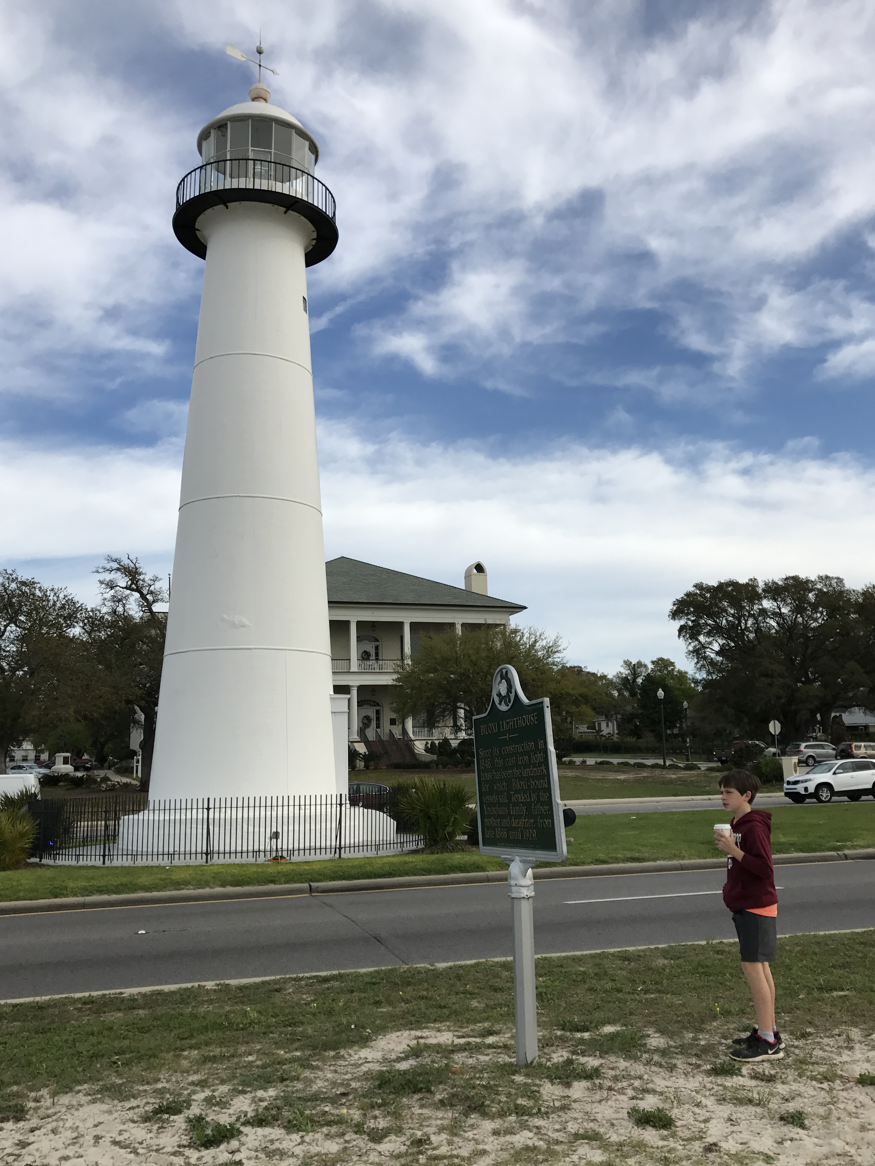 Biloxi Lighthouse A Beacon In The Night 601 850 8000